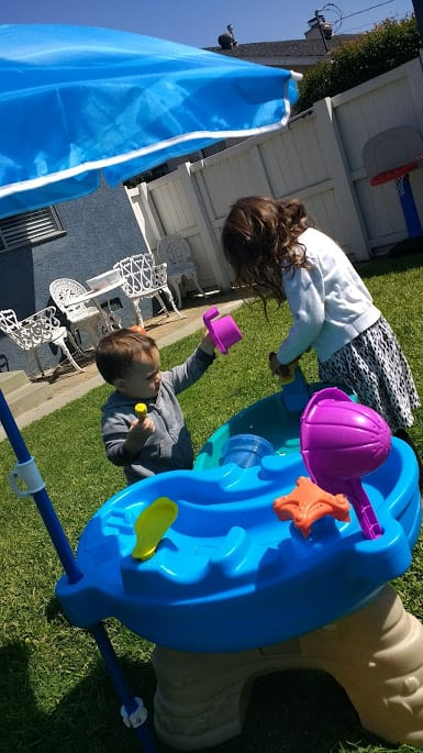 Try these simple outdoor toys for toddlers that will lead to HOURS of independent play, from thesaltymamas.com. #outdoortoysforkids #outdoortoysfortoddlers #smalloutdoortoys #summertoys #besttoysforsummer #gettingkidstoplayoutside #toysforasmallyard