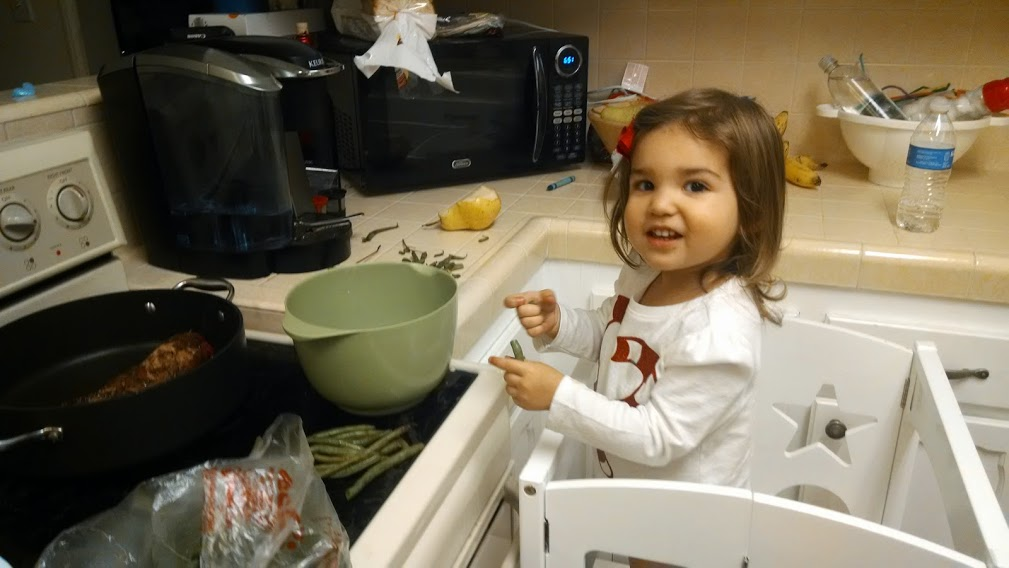 toddler snapping green beans