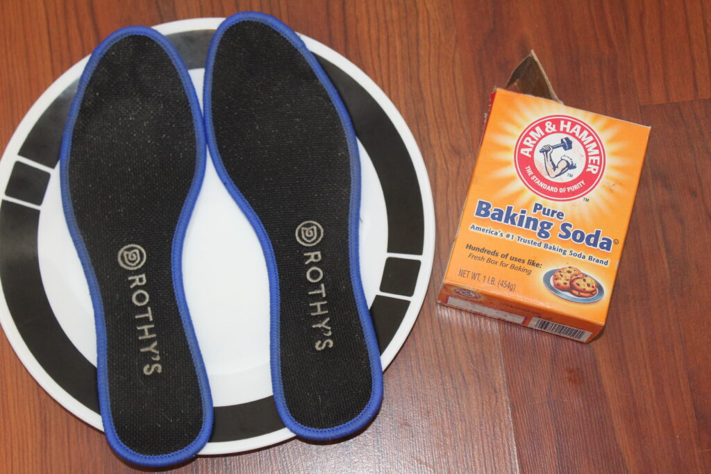 rothys on a dish with baking soda